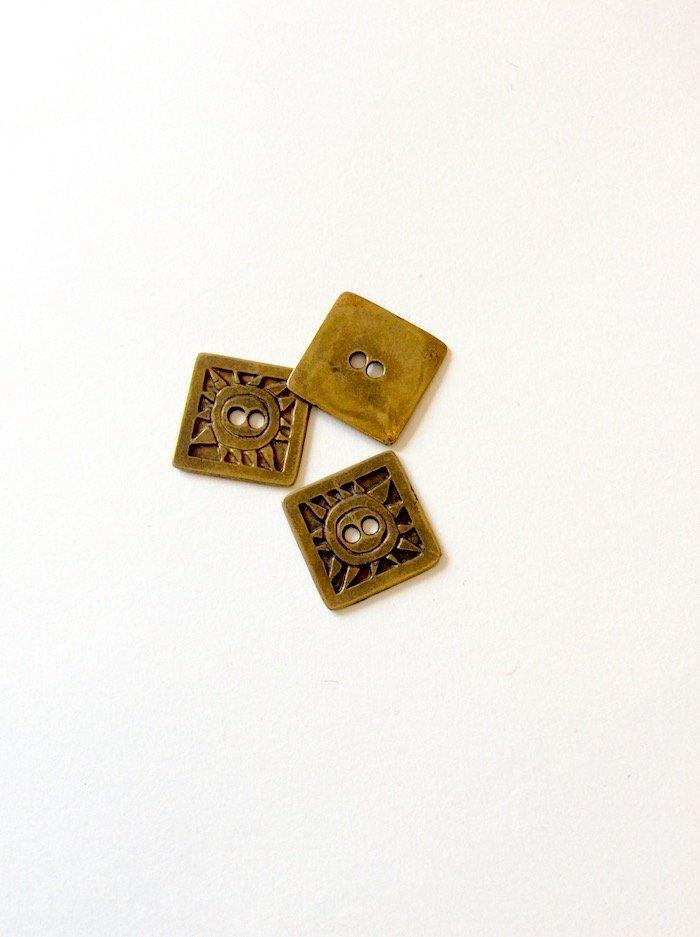 Bouton bronze métal carré à deux trous