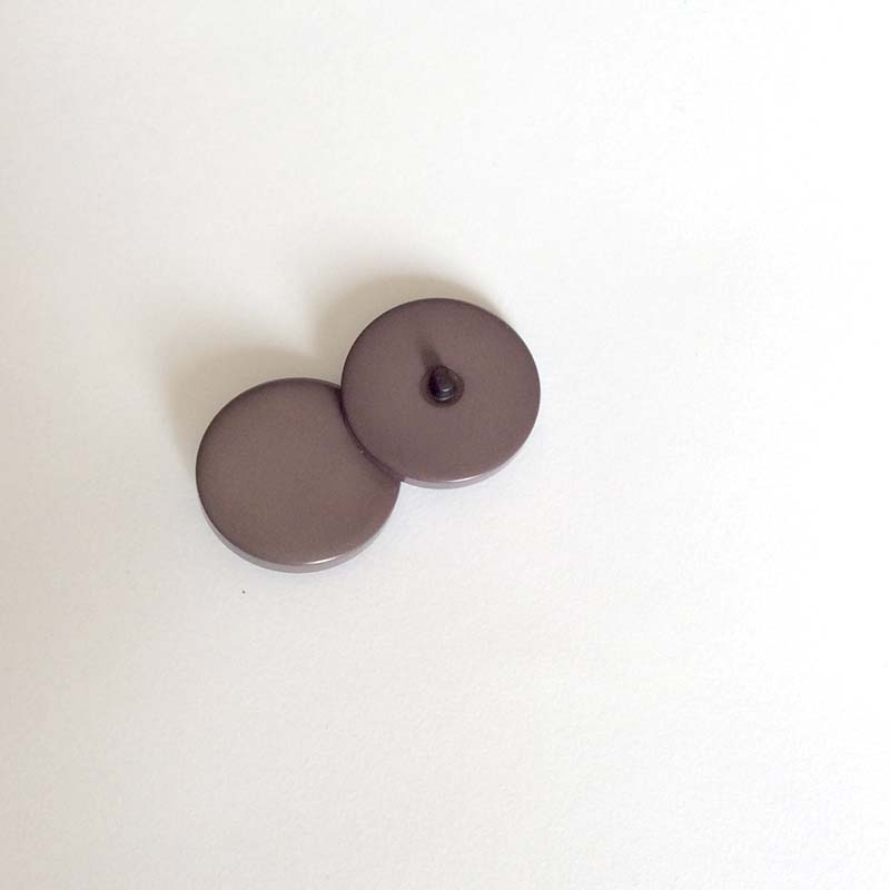 Bouton tige de grosse taille taupe