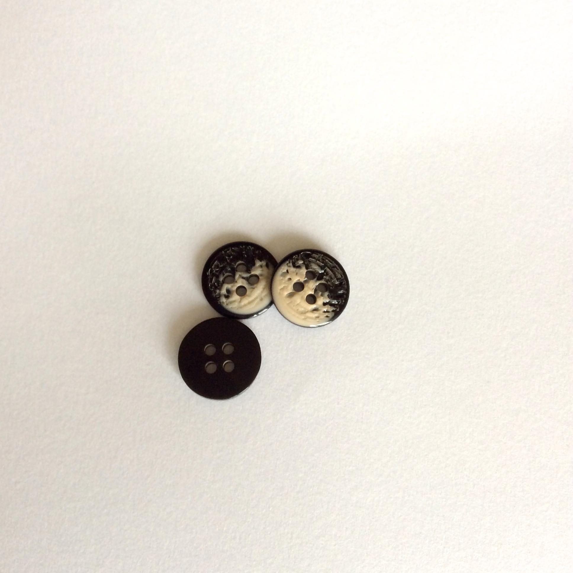 Bouton à quatre trous chiné