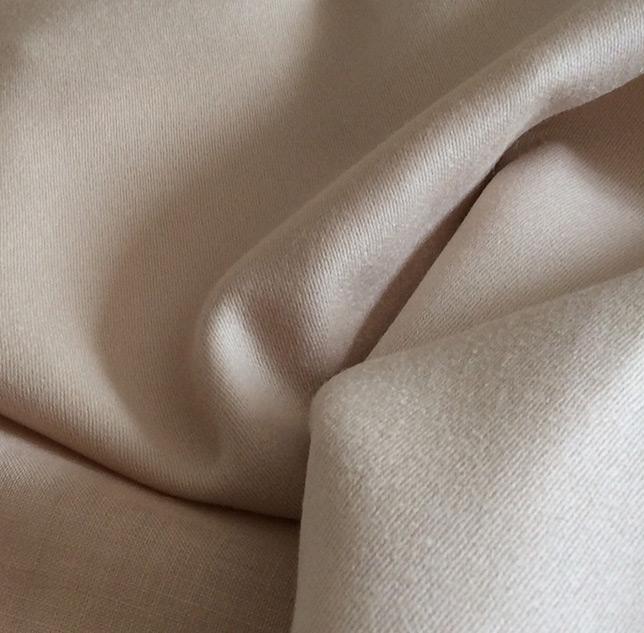 tissu beige en laine cardailhac