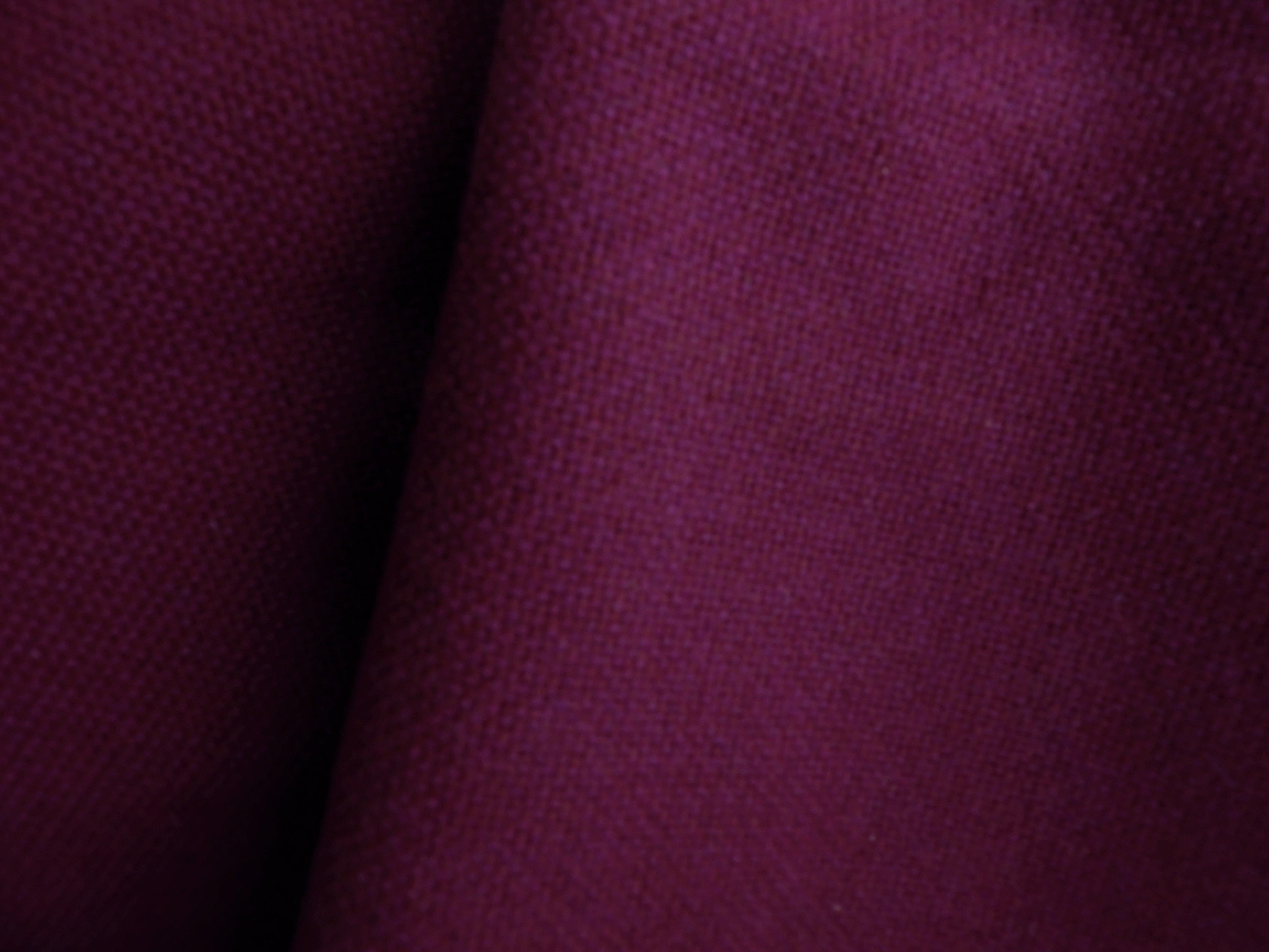 tissu tete de lit ou tissu canapé prune