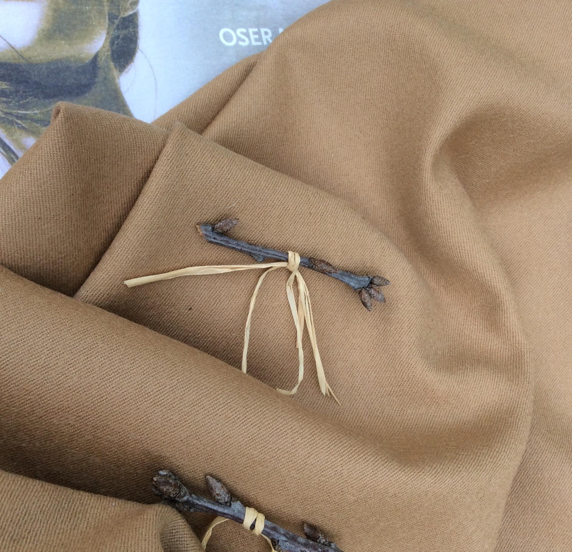 tissu en laine beige camel