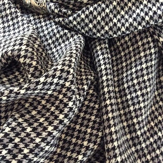 tissu pied de poule noir et gris