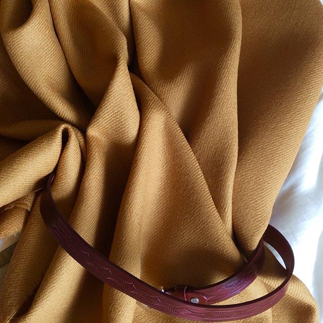 Tissu shetland jaune ambré