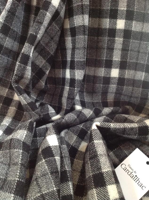 Tissu à carreaux noir eyt gris