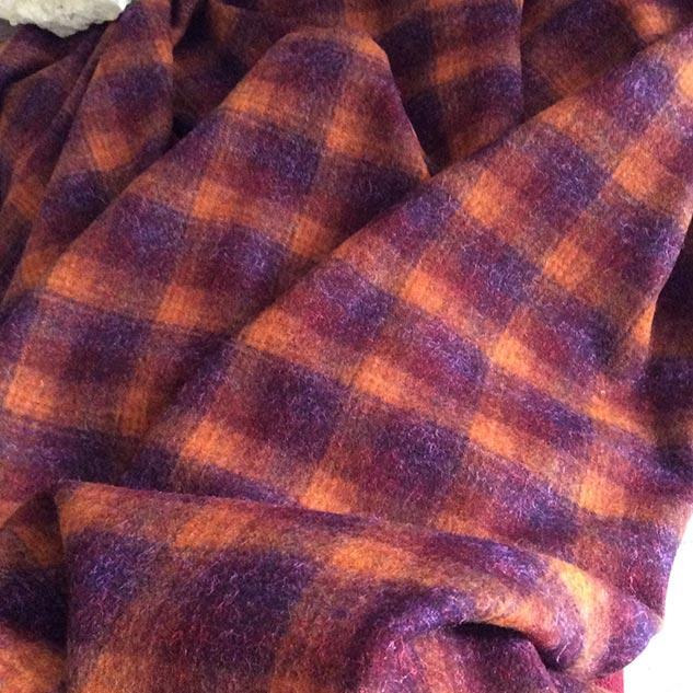 tissu orange et prune