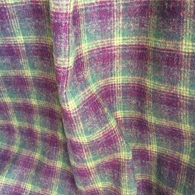 tissu bordeaux et vert
