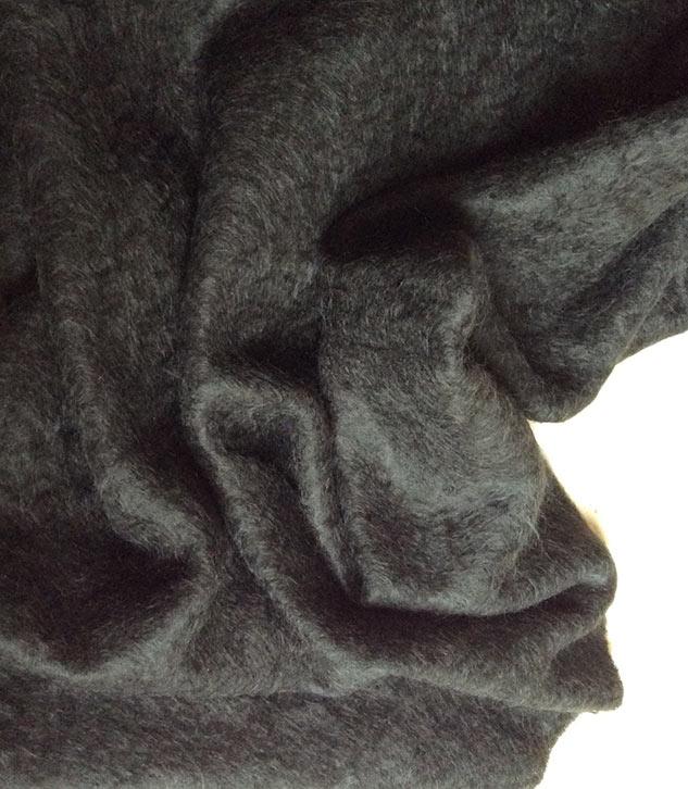 tissu noir mohair haut de gamme