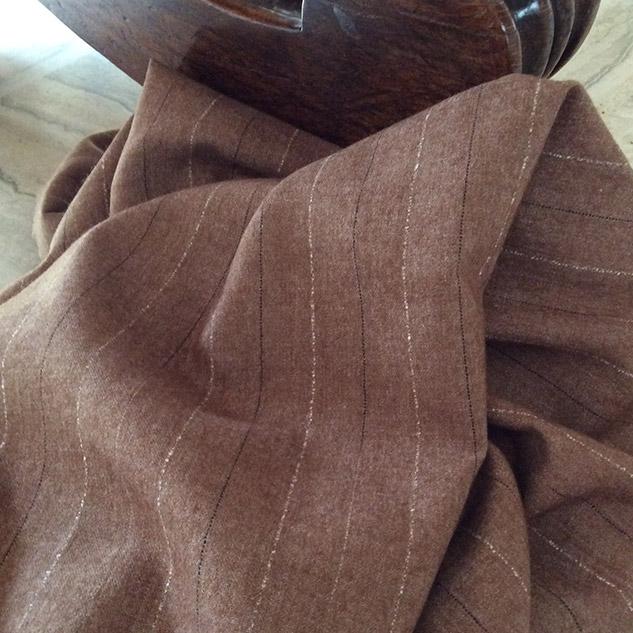 tissu couleur noisette rayé