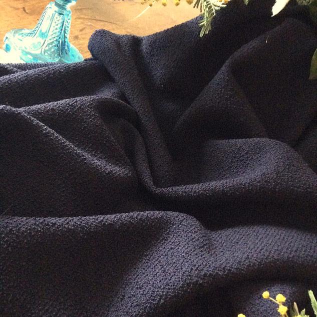 Tissu laine bouclettes bleu nuit