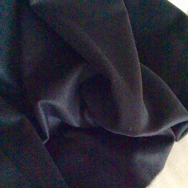 tissu noir cachemire