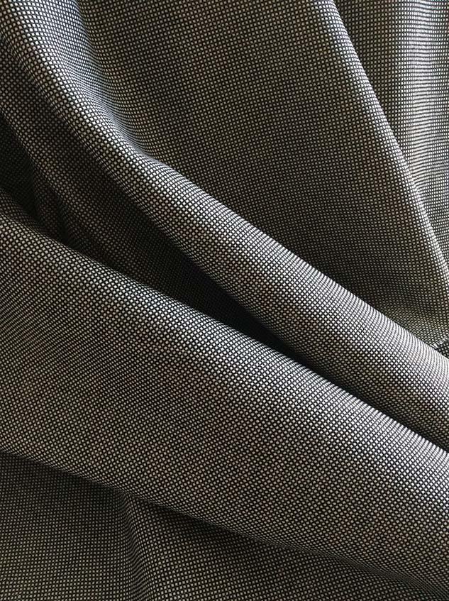tissu noir et blanc pour rideau