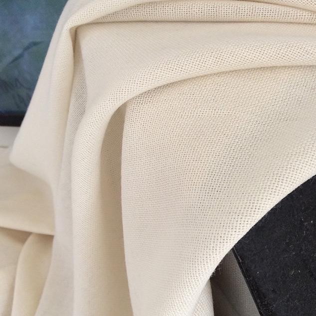 tissu voilage en laine écru