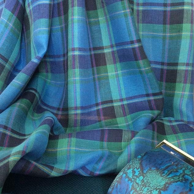 Tissus écossais vert et bleu en habillement