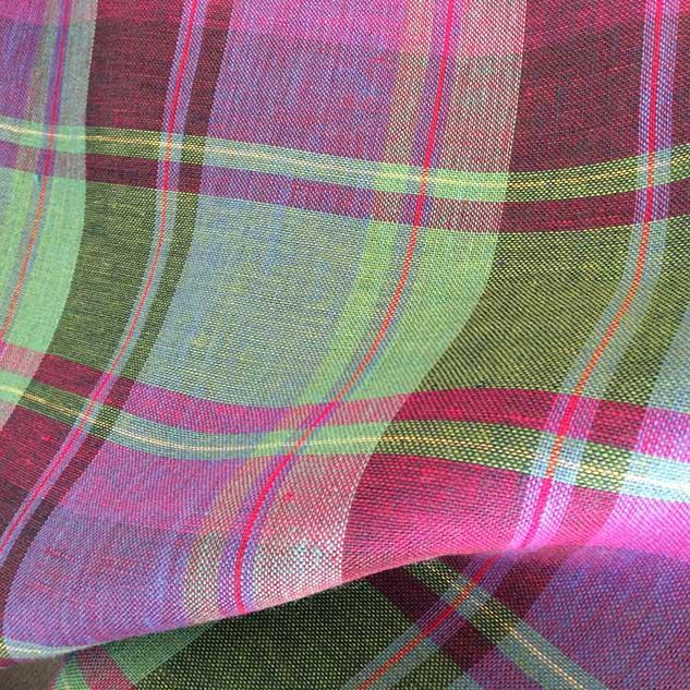 tissu ecossais rose et vert