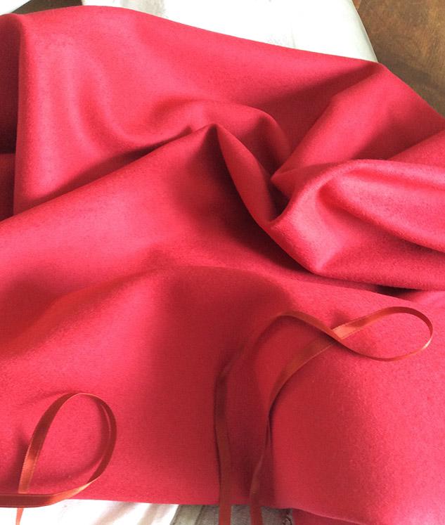 Tissu rouge grenadine