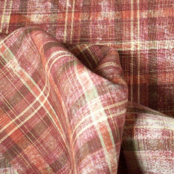Tissu écossais en lin rouge délavé