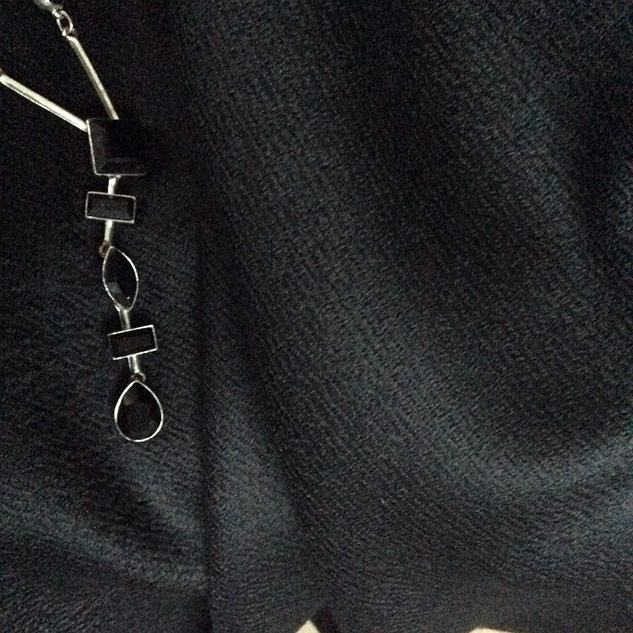 tissu laine gabardine noire