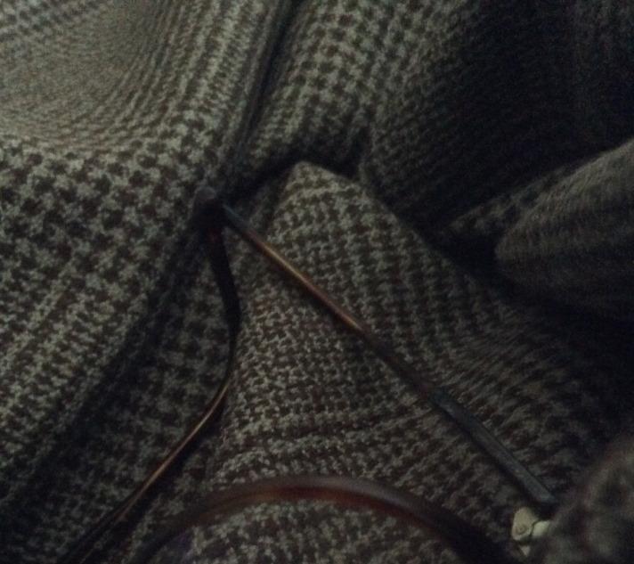 tissu marron et gris prince de galles