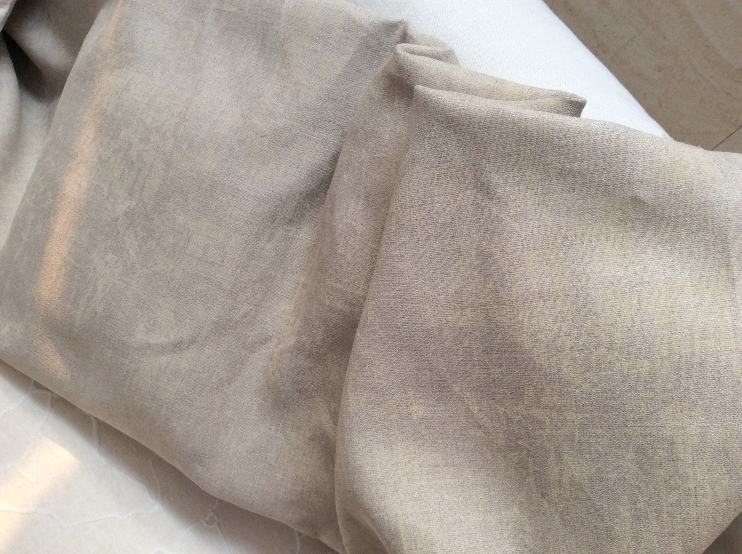 tissu lin beige avec dessin