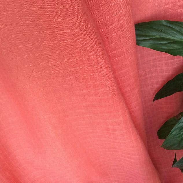 tissu corail en lin pour chemisier
