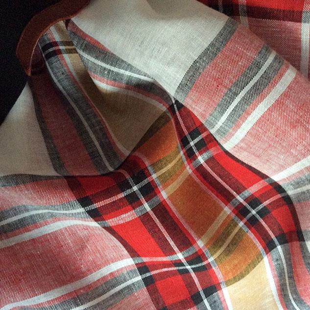 écossais rouge et blanc