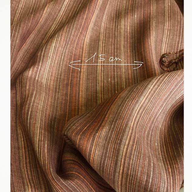 tissu marron rayé