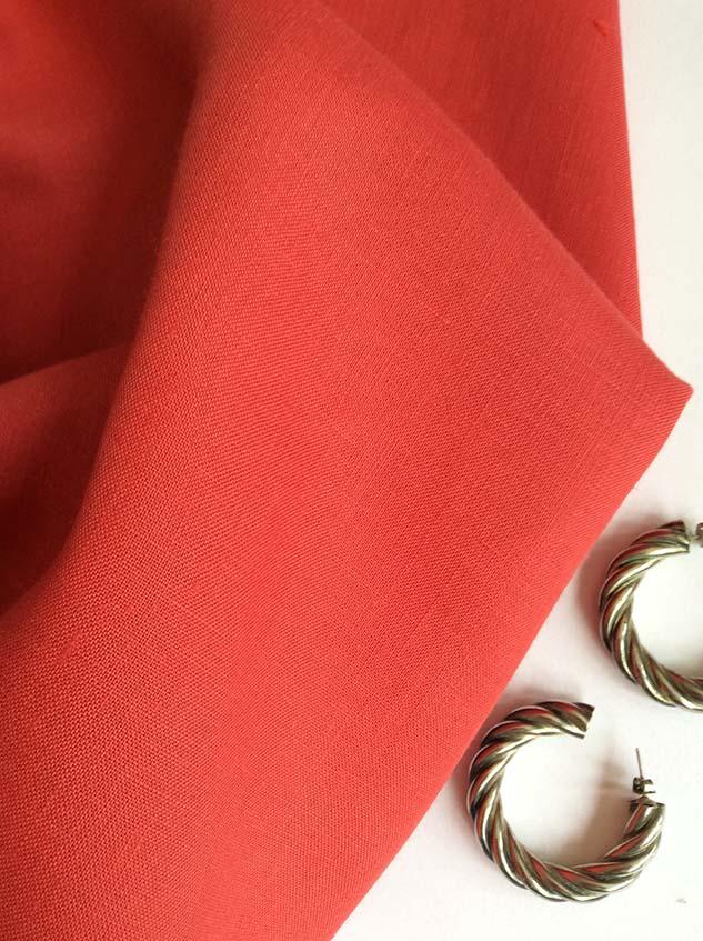 tissu batiste rouge