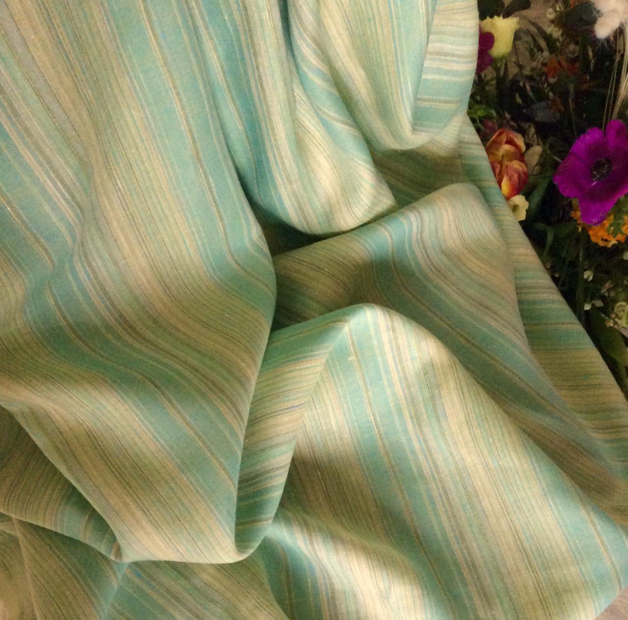 Tissu à rayures vertes