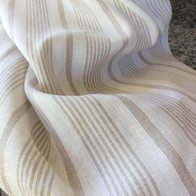 tissu rayé blanc et beige