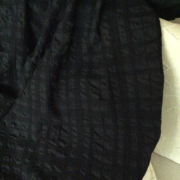 tissu cloqué noir velours
