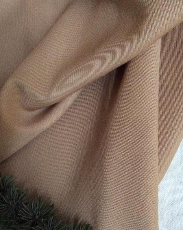 tissu beige en sergé