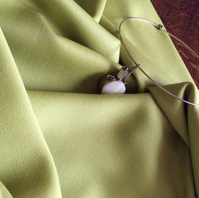 tissu pour trench en laine vert anis