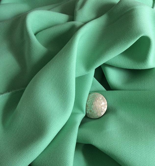 tissu crepe vert