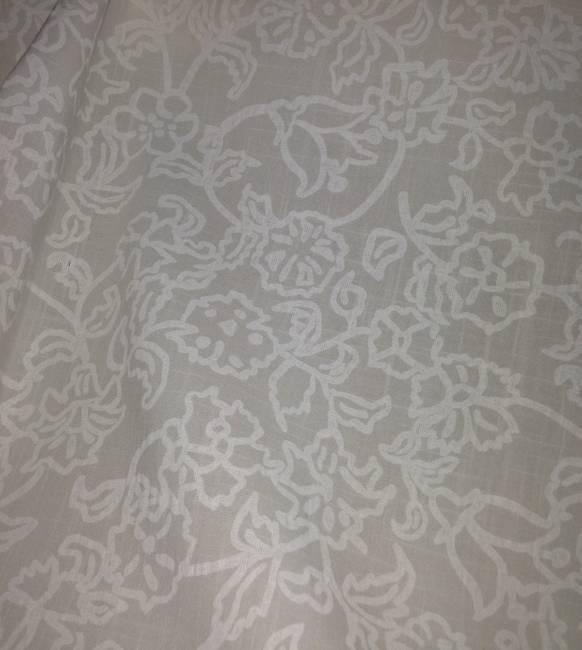 Tissu en coton imprimé dentelle blanc