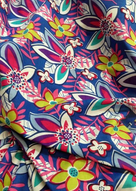 Tissu coton imprimé abstrait pour chemisiers, robes, jupes, bustiers