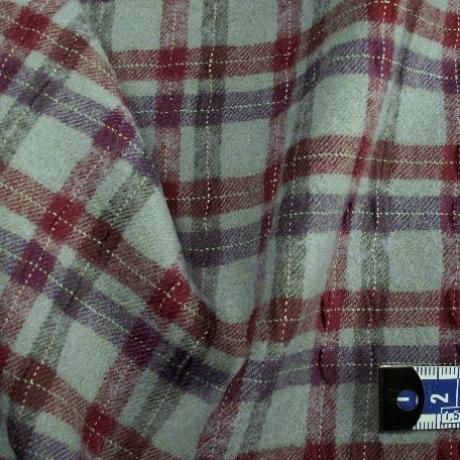 Tissu flanelle de laine écossais violet