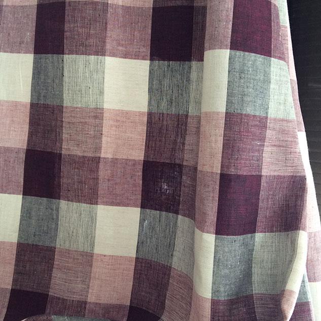 Tissus au metre carreau écru noir et prune