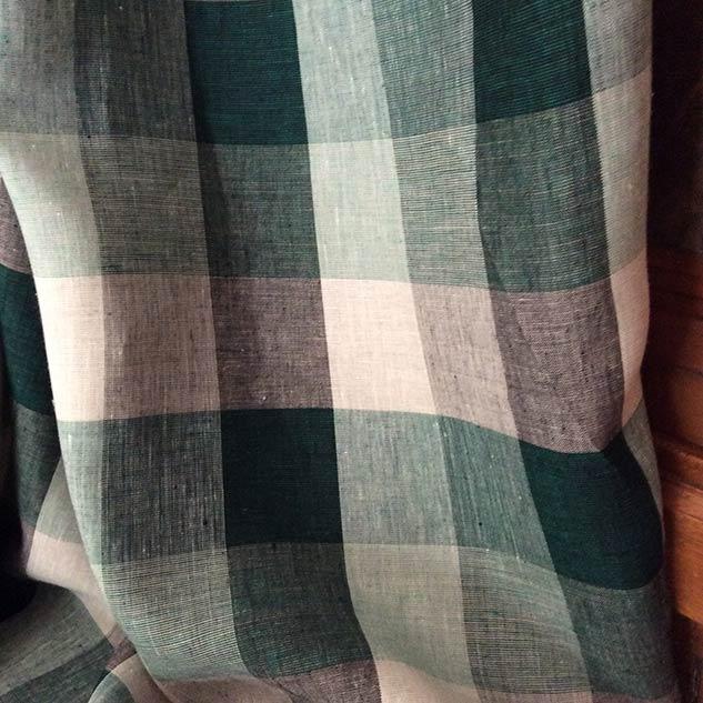 Tissus au metre carreau écru noir et vert