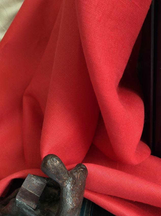 Tissu rouge en lin Cardailhac