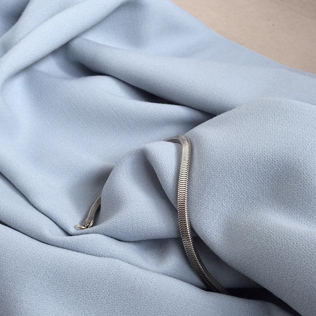 tissu crepe bleu ciel