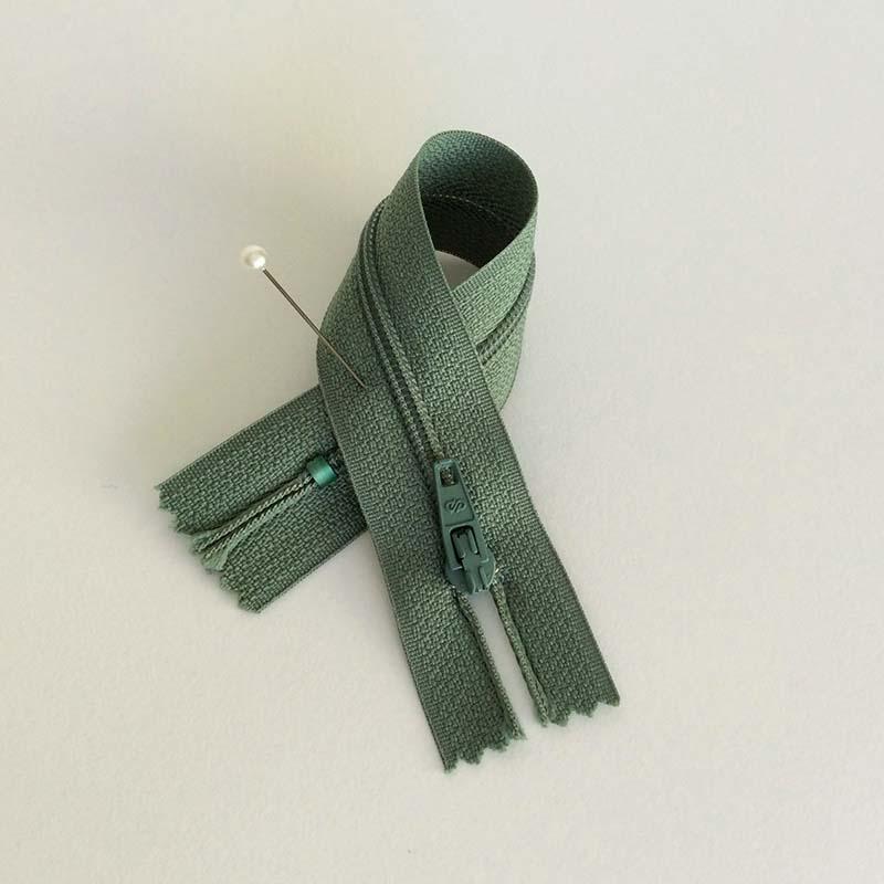 fermeture clair prestil vert kaki accessoires de couture vente de tissus. Black Bedroom Furniture Sets. Home Design Ideas