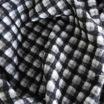 Tissus ecossais noir et gris cloqué