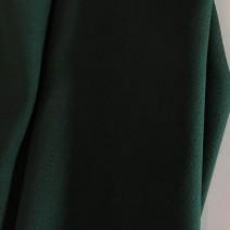 tissu crepe de laine envers satin vert