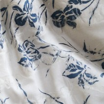 Tissu lin artisanal imrimé bleu nacré