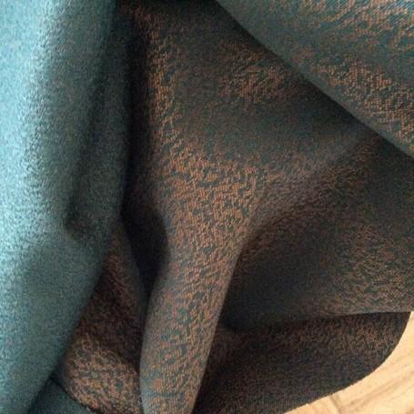 tissu turquoise et orange
