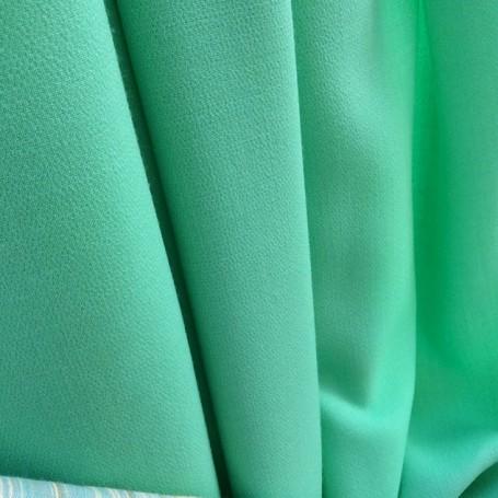 tissu en crepe vert menthe