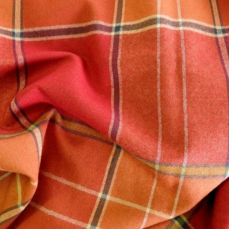 tissu ecossais orange et rouge