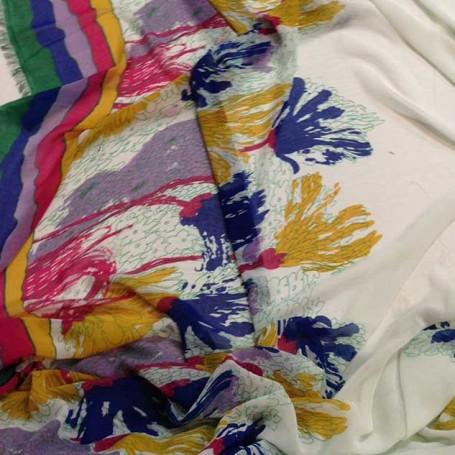 tissu floral fond blanc