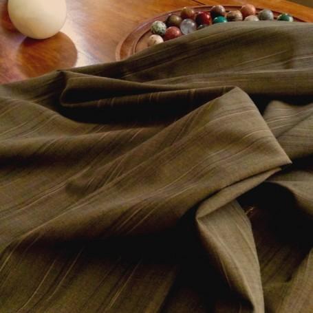 tissu rayé brun
